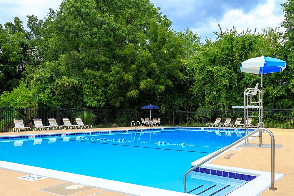 strathmore-exterior-pool