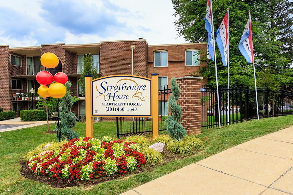 strathmore-exterior-back-entrance