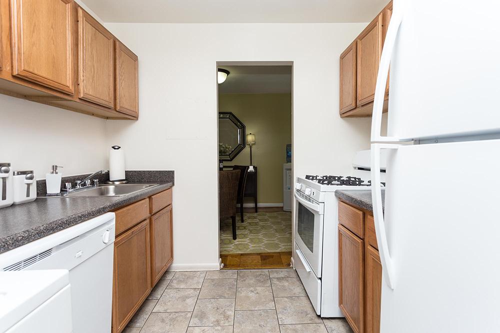 strathmore-interior-kitchen