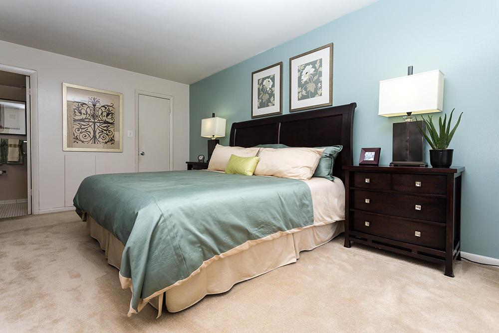 strathmore-interior-master-bedroom